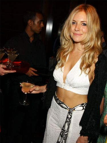 Sienna Miller's 2000s Style in 20 Unforgettable Outfits