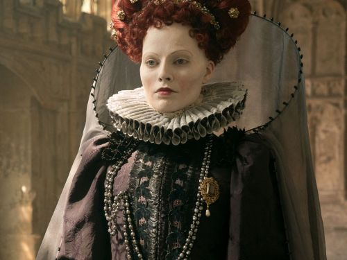 White Makeup, Wigs, & Smallpox Scars: How Margot Robbie Became Queen Elizabeth I