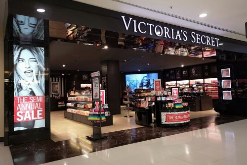 Victoria's Secret sales are still sagging