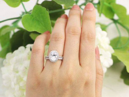The Oval Halo Engagement Rings We Can't Stop Staring At