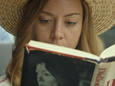 Is Aubrey Plaza The Victim Or Villain In Ingrid Goes West?