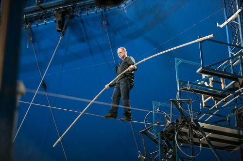 Daredevil Nik Wallenda and sis to walk on high wire above Times Square