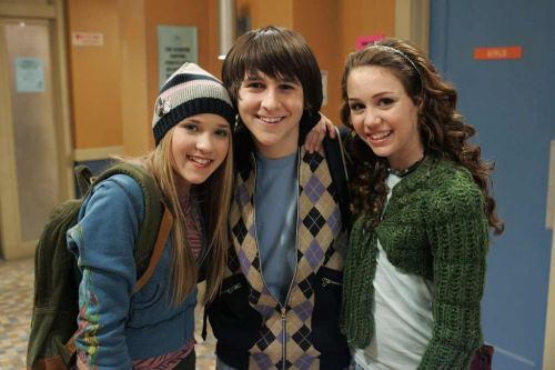 You Won't Even Recognize 'Hannah Montana' Star Mitchel Musso Now!