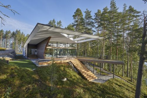 Finnish Architect Seppo Mäntylä Reworked the Traditional Log Home