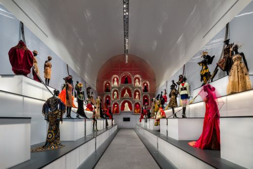 Ten's To See: 'Dior: From Paris to the World' at the Dallas Museum of Art