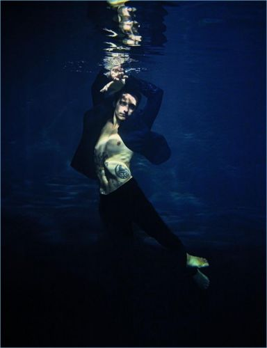 Sergei Polunin Goes Underwater for Vanity Fair Italia