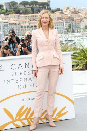 Kristen Stewart Wears Pearl Winged Eyeliner at Cannes Film Festival