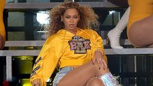 Fans Think Beyoncé Changed Her Nail Color Mid-Coachella Set, Because She's That Amazing