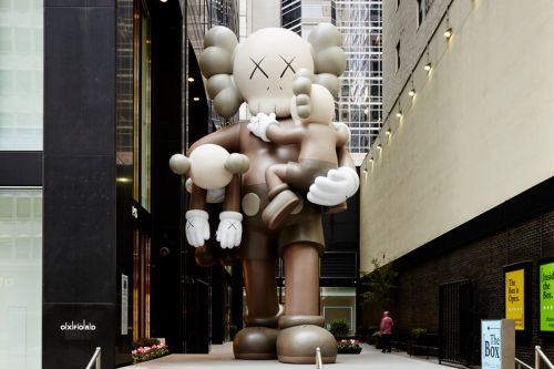 KAWS' Colossal 'CLEAN SLATE' Companion Spotlighted in Upcoming Phillips Auction