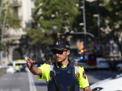 Several Injured, Dead After Van Crashes Into A Crowd In Barcelona