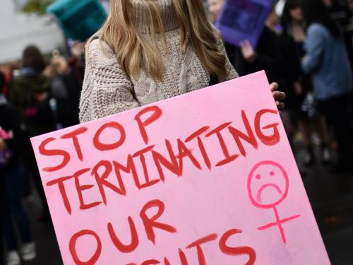 Judge Temporarily Blocks Mississippi's New 15-Week Abortion Law