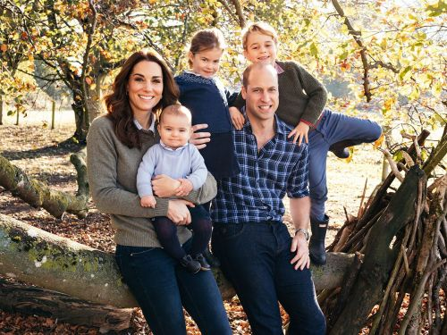 Kate Middleton Wore Skinny Jeans on the Royal Family Christmas Card