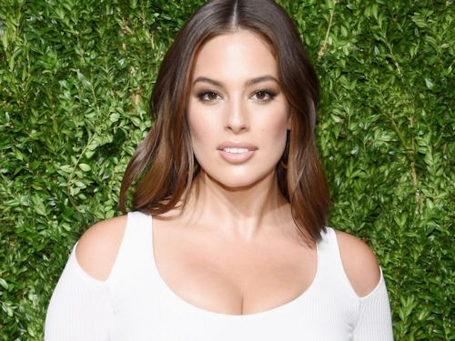 Ashley Graham Looks Amazing In This Unretouched Fashion Shoot