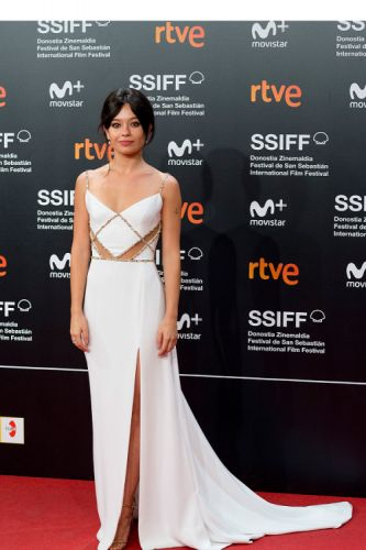"Anna Castillo rocked the red carpet at the premiere of ""Viaje al"