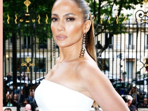 J. Lo's Pearl Manicure Is Sparking The Prettiest Nail-Polish Trend
