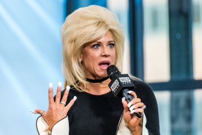 Is 'Long Island Medium' Fake? According to These Professional Skeptics, Uh, Sort Of?