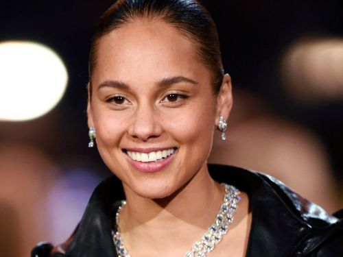 Alicia Keys Wore A $15 Drugstore Foundation To The Grammys
