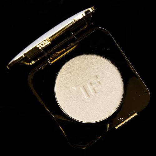 Tom Ford Gilt Glow Radiant Perfecting Powder Review & Swatches