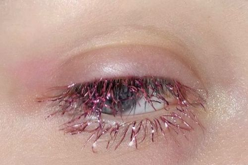 Glittery tinsel lashes are the trendy new way to make your face festive