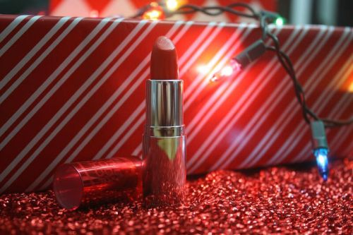 Lipstick Luxuries Gift Guide!