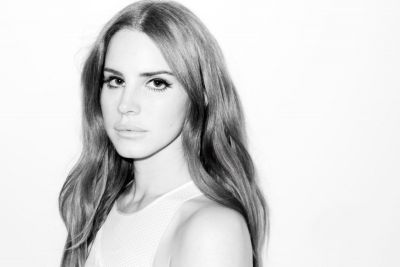 Lana Del Rey Previews New Song, 'Cherry'