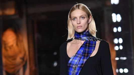 17 Silk Scarves Guaranteed to Spruce Up Your Spring Wardrobe