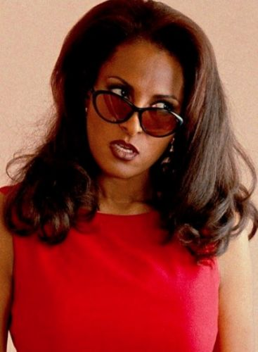 Style lessons to learn from Jackie Brown