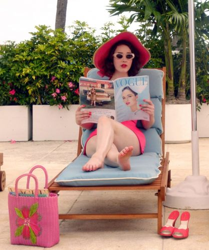 The Marvelous Mrs. Maisel Is Back & She's Taking On The World