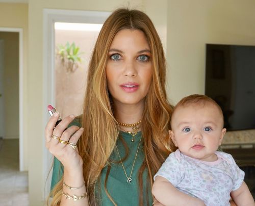 Baby Steps: Doing My Makeup While Having a 4 Month Old.a Video Tutorial