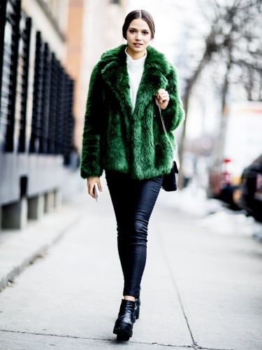 Leather Leggings in Winter: 10 Cool Outfit Formulas to Steal