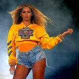Beyoncé Wears Different Nail Colors During Coachella 2018 Performance