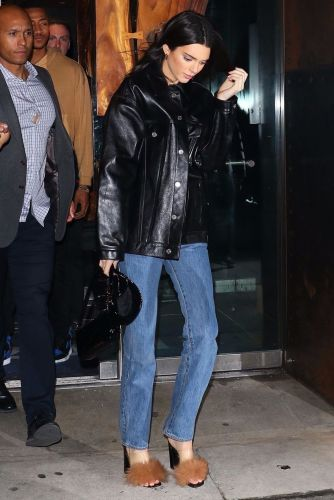 Kendall Jenner Wore the Trendy Basic Fashion Girls Should Stock Up On For Spring