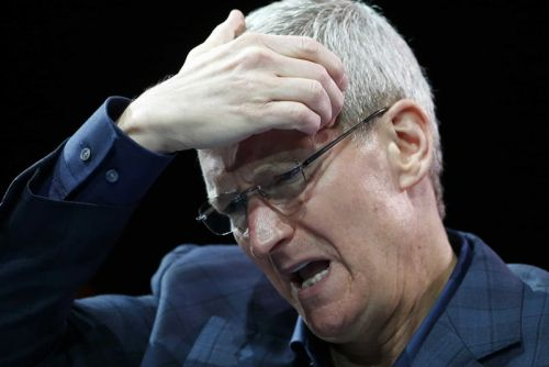 Tim Cook Promises Apple Will Fix iPhone Throttling Soon
