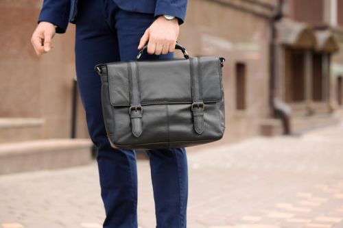 A Fashionista's Guide To Buying Leather Briefcases