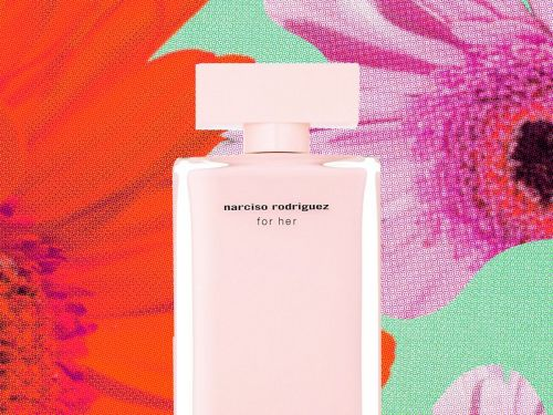 We Wore Our Mom's Signature Perfumes - & This Is What We Thought