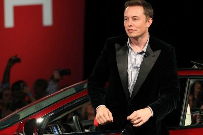 Tesla in Talks to Create Music Streaming Service for Cars