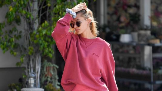 Pretty in Pink! Hailey Baldwin Shows Off Her Sexy Legs in Cute Workout Shorts