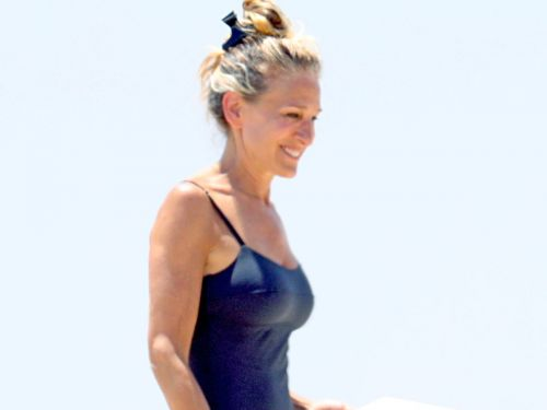 Sarah Jessica Parker Wore the Swimsuit Trend That'll Still Be Chic in 20 Years