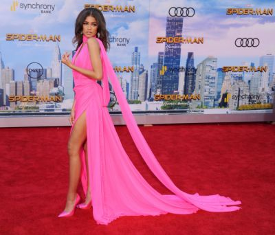 The Internet Is Going Nuts Over Zendaya's 'Spider-Man' Red Carpet Outfit