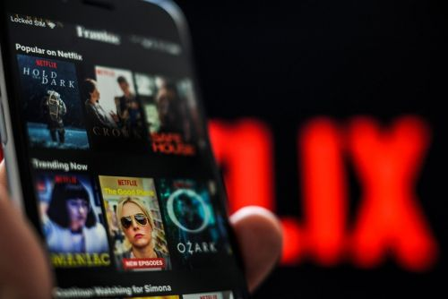 Netflix May Introduce a Random Play Button for TV Shows