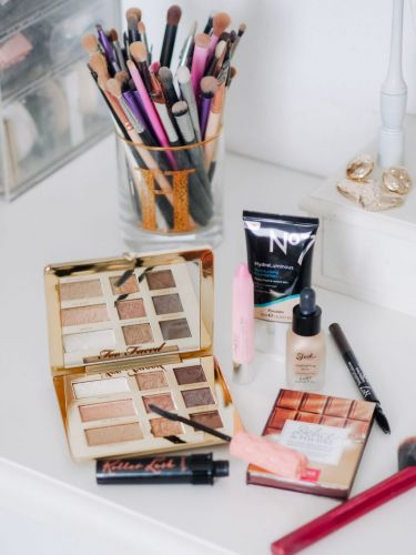 How To Update Your Makeup Bag For Summer In 4 Easy Steps
