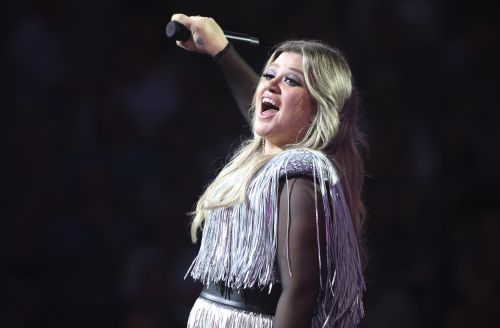 Turns Out, The Only Thing More Impressive Than Kelly Clarkson's Vocal Range Is Her Bank Account!