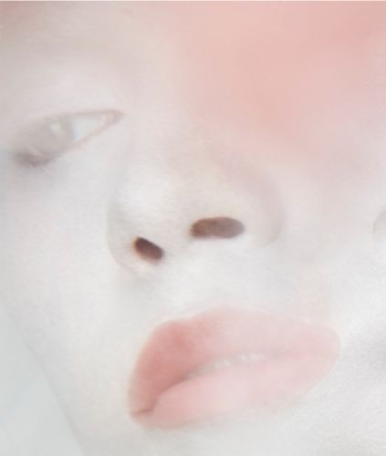 Abstract Beauty: Kabuki skin meets pastel paradise