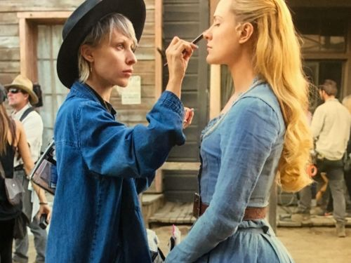 How Westworld's Dolores Always Looks So Perfect - Despite All The Dust