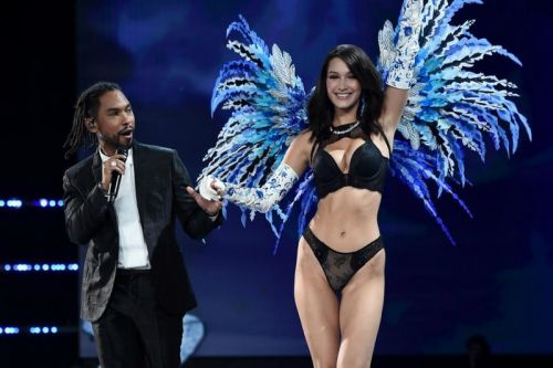 Watch Miguel's Performance at the 2017 Victoria's Secret Fashion Show
