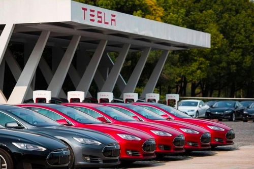 Tesla Is Holding on to Its Bitcoin Investment After All-time Spike