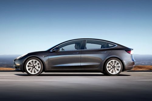 "Tesla Model 3 ""Not Recommended"" by Consumer Reports Due to Braking Problems"