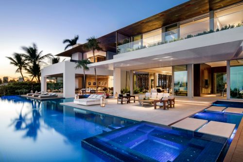 This Picturesque House Brings Sophistication to Miami's Coast