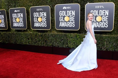 The Hottest Trend on the 2019 Golden Globes Red Carpet Was Bows
