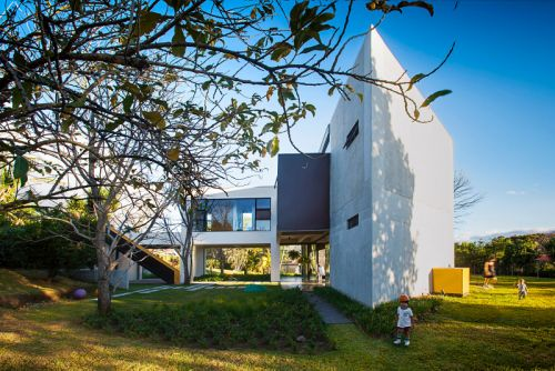 Costa Rican Home Is a Voluminous & Vibrant Paradise